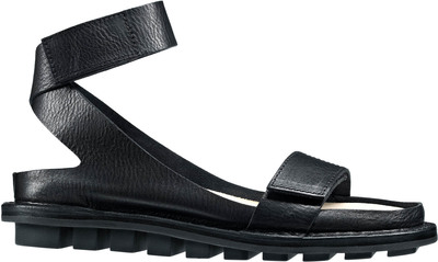 Trippen Closed leather sandal in black
