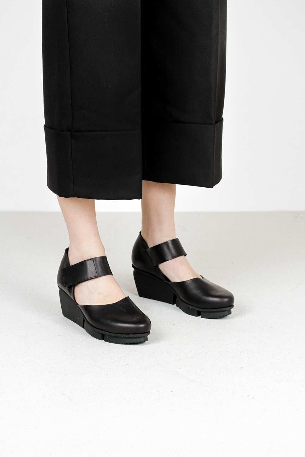 Trippen hostess f waw blk leather shoes