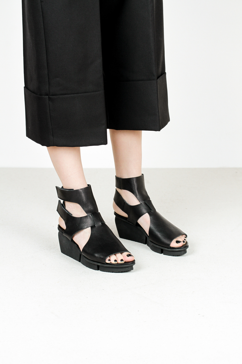 Trippen vista f waw blk leather sandals