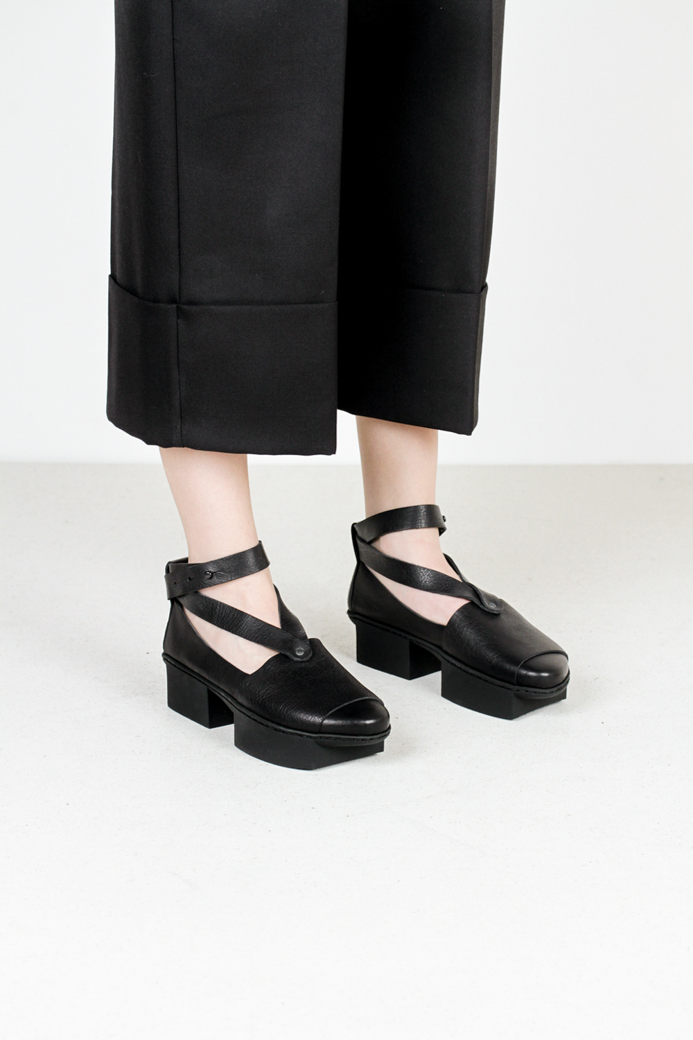 Trippen check f waw blk leather shoes