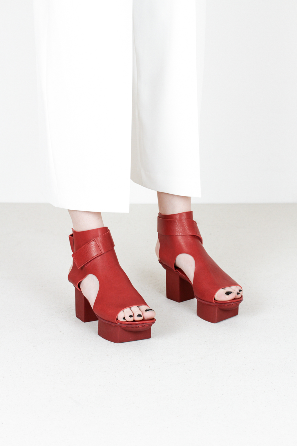 Trippen bollard f waw red leather sandals