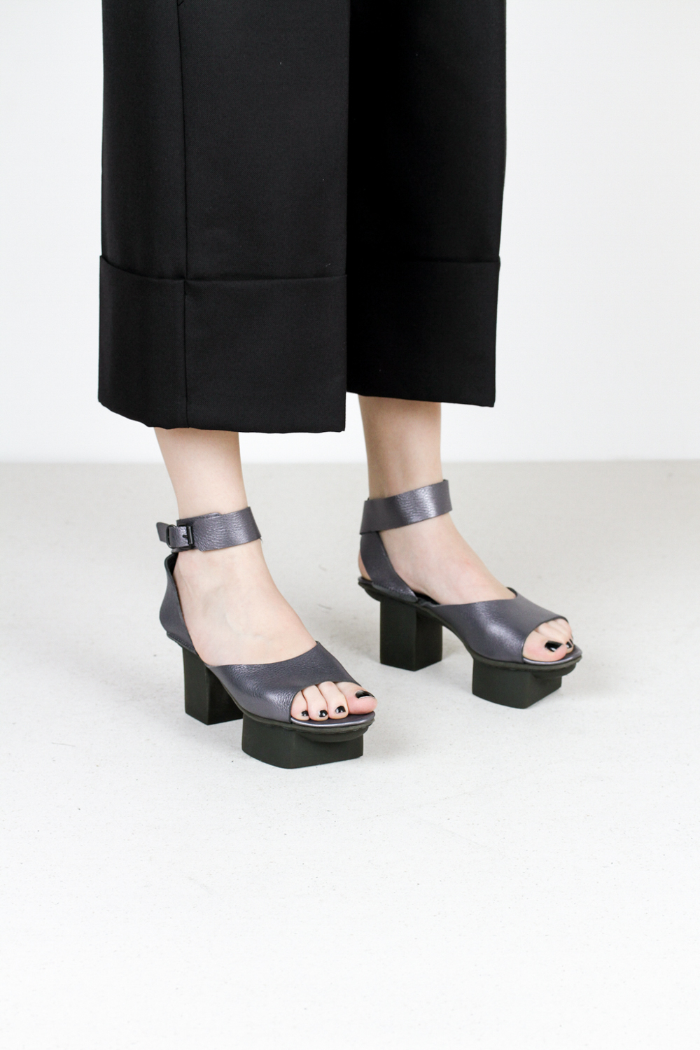 Trippen gina f lam nebbia leather sandal