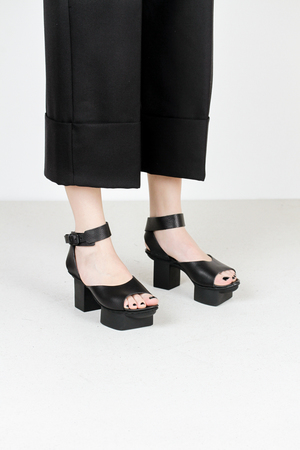 Trippen gina f waw blk leather sandal