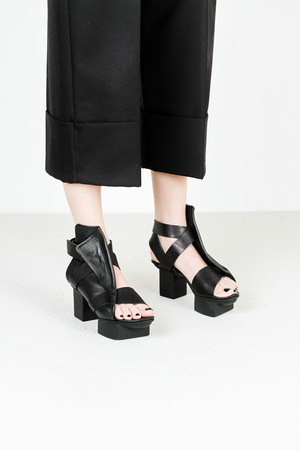 Trippen turbo f sft waw blk leather sandals
