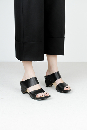 Trippen zofe f waw blk wooden shoes