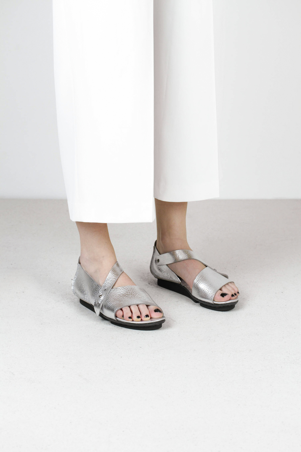 Trippen marlene f lam nickel leather sandal