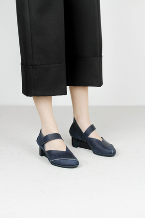 Trippen cast f pull navy leather shoes