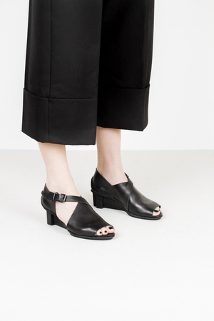 Trippen horizon f waw blk leather sandals