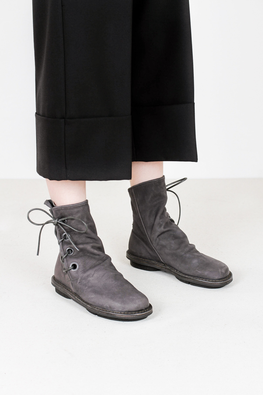 Trippen tramp f tiz grey leather boots
