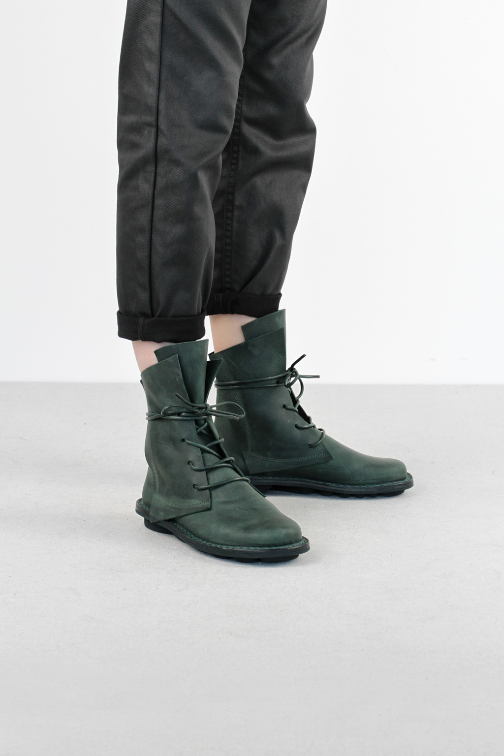 Trippen rectangle f petrol pul leather boots