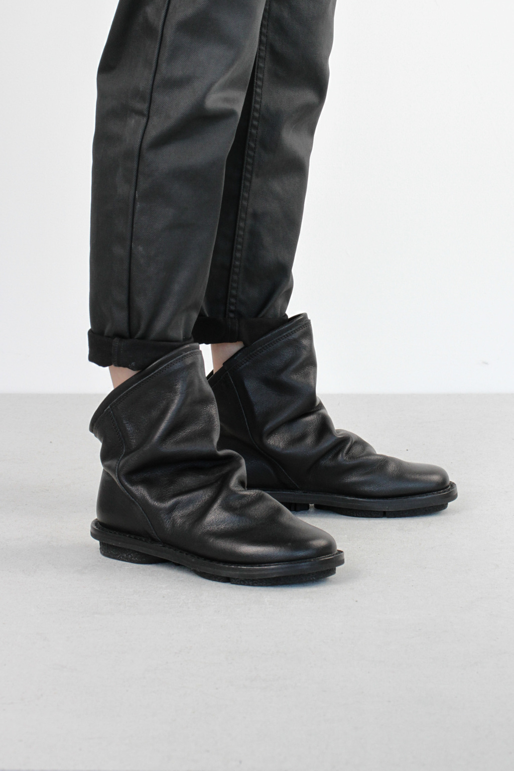 Trippen bomb f black buf leather boots5