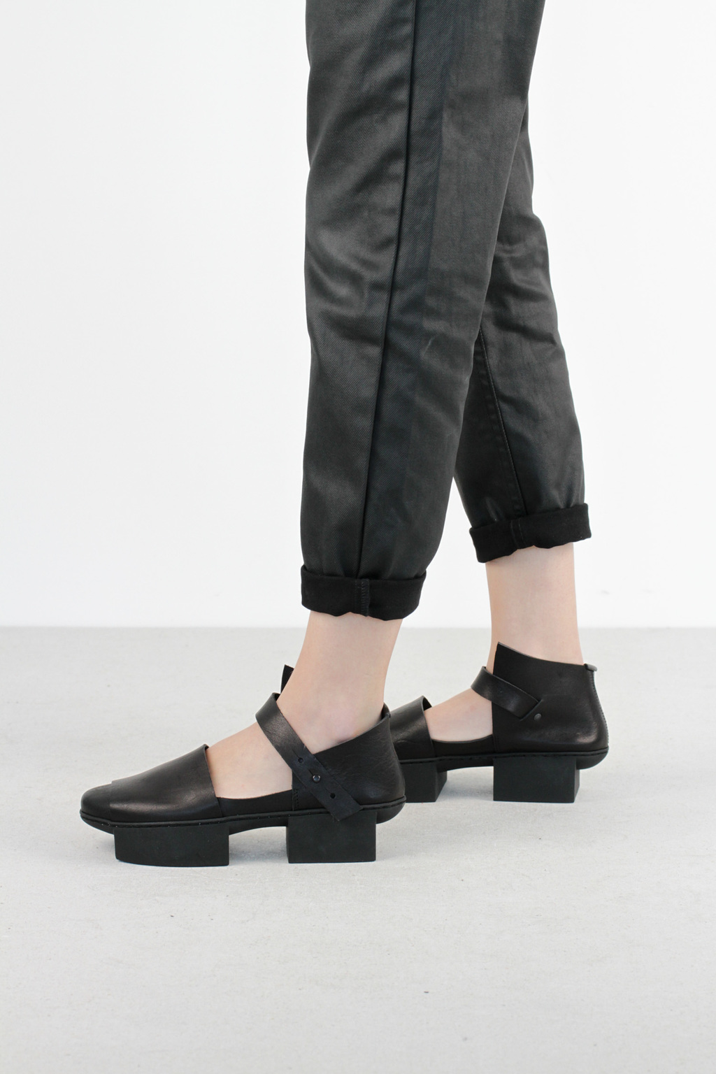 Trippen hatch f black waw leather shoes